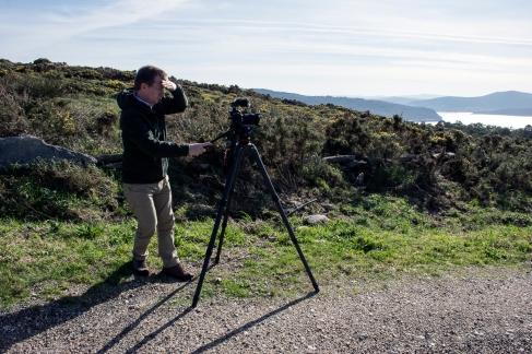 Kuvaaja Douglas Rogerson videoi maisemia.