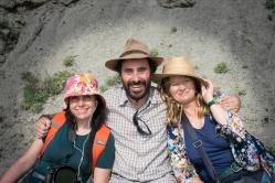 Fossiilitutkija Octavio Mateus nappasi meidät kainaloon työpäivän lopuksi.